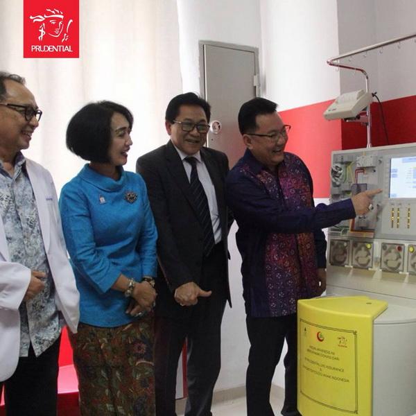 Prudential Indonesia Beri Mesin Apheresis pada Penderita Kanker di Makassar