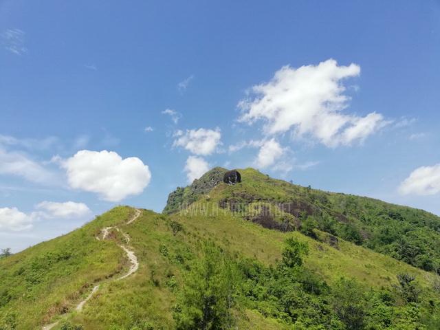 Bukit Batu Manda