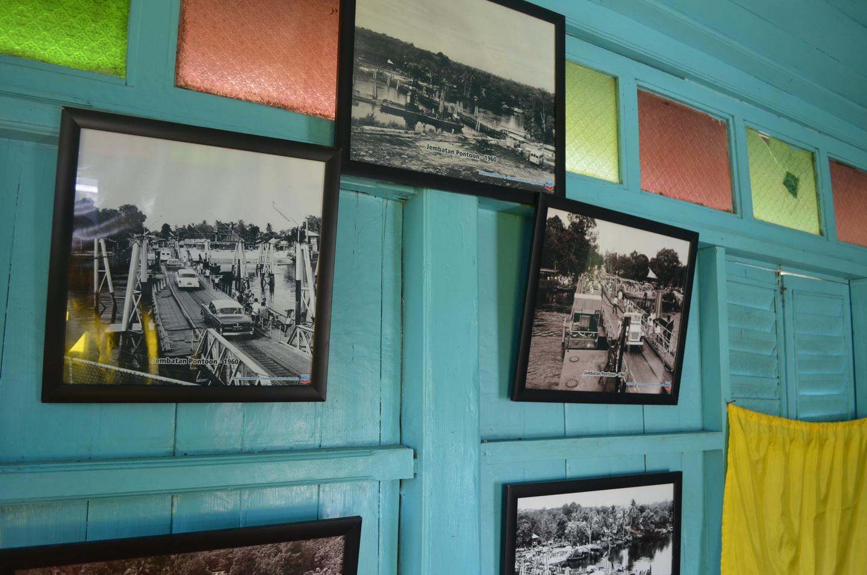 Beberapa foto penyebrangan menggunakan jembatan Pontoon