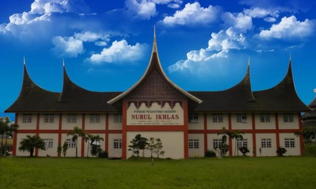 Pesantren Nurul Ikhlas, salah satu pesantren yang berada di Padang Panjang Sumatera Barat