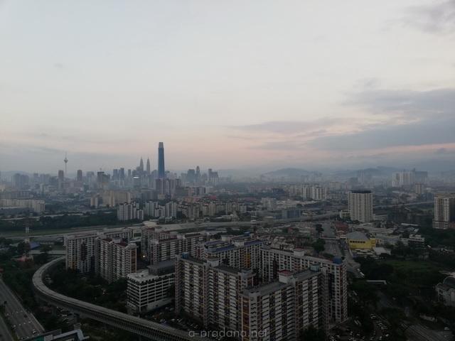 Pilih Hotel Kuala Lumpur atau Menggunakan Airbnb Kuala Lumpur