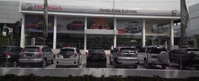 dealer resmi Mobil Honda di Pekanbaru