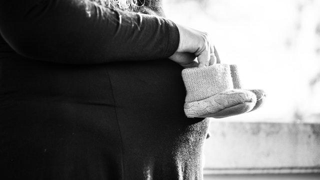 Tips Memilih Asuransi untuk Ibu Hamil AXA Mandiri
