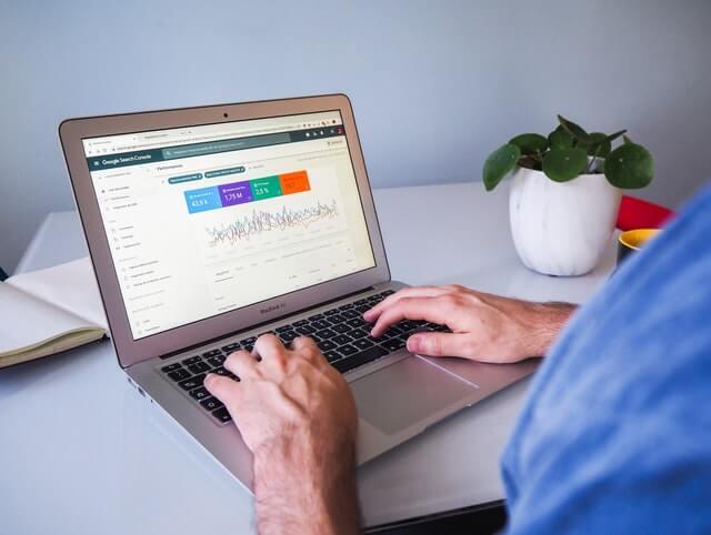 pengunjung dalam optimasi seo on-page